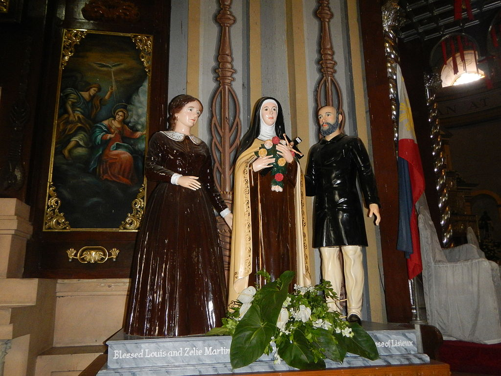 Statues of Saint Thérèse de Lisieux and Blessed Louis and Zélie Martin