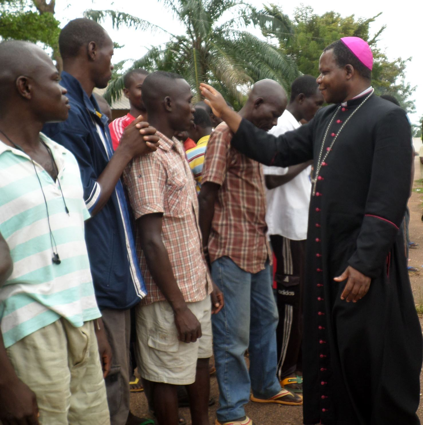 Visit of Archbishop Dieudonné Nzapalainga to Camp Beal