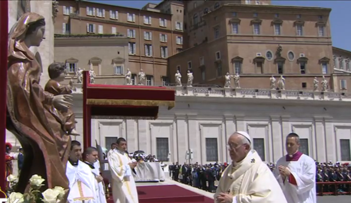 Pope Praying Regina Coeli - May 17th