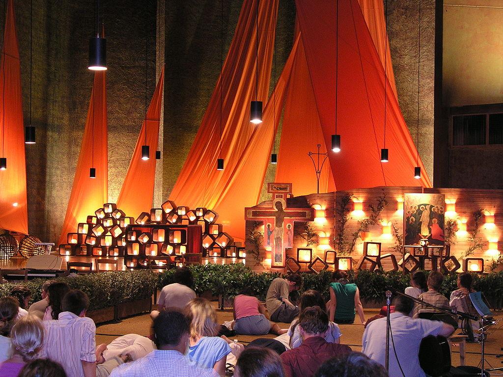 Prayer in Taizé church