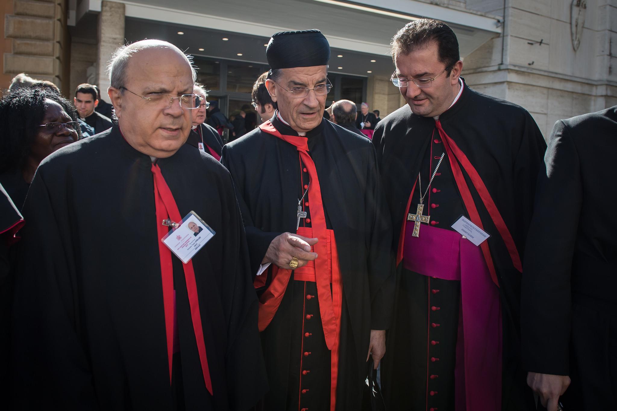 Cardinal Mar Bechara Boutros Rai (pr al-Rahi)(C)