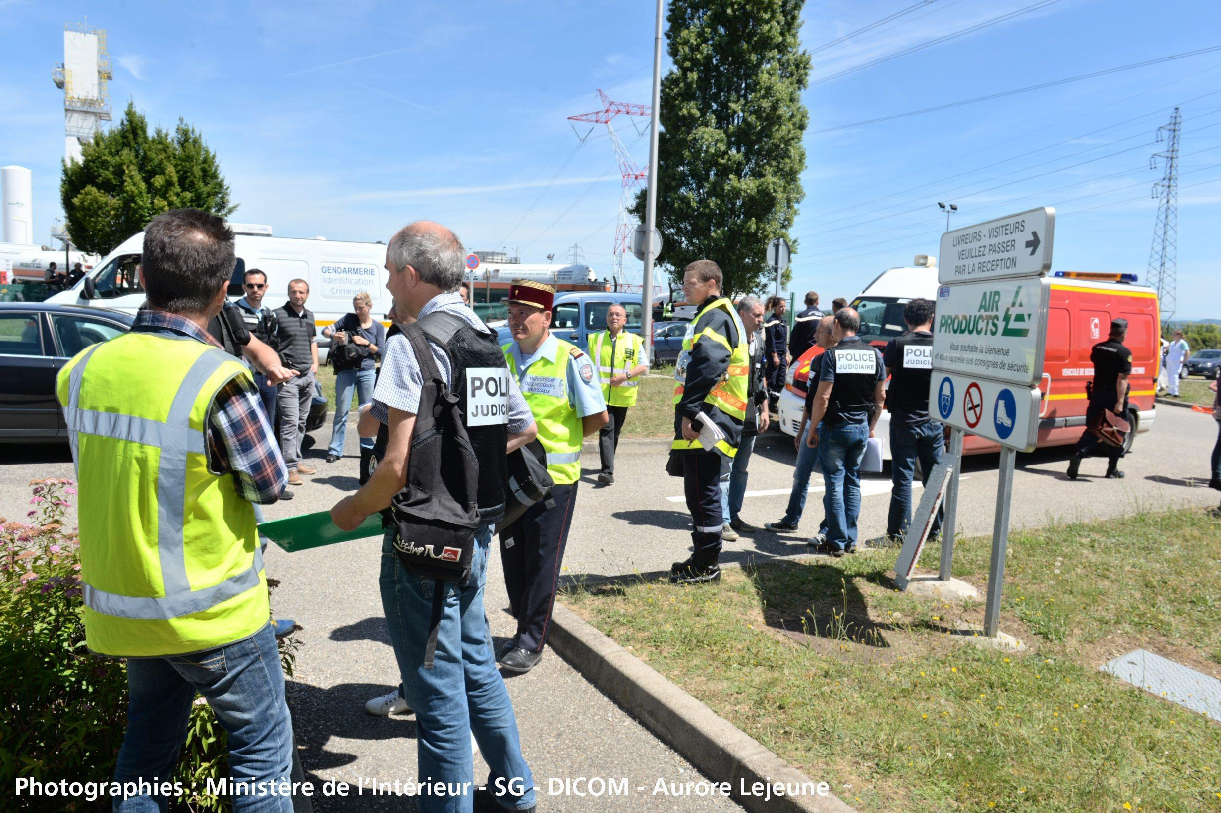 Suspected Islamist attack in Saint-Quentin-Fallavier
