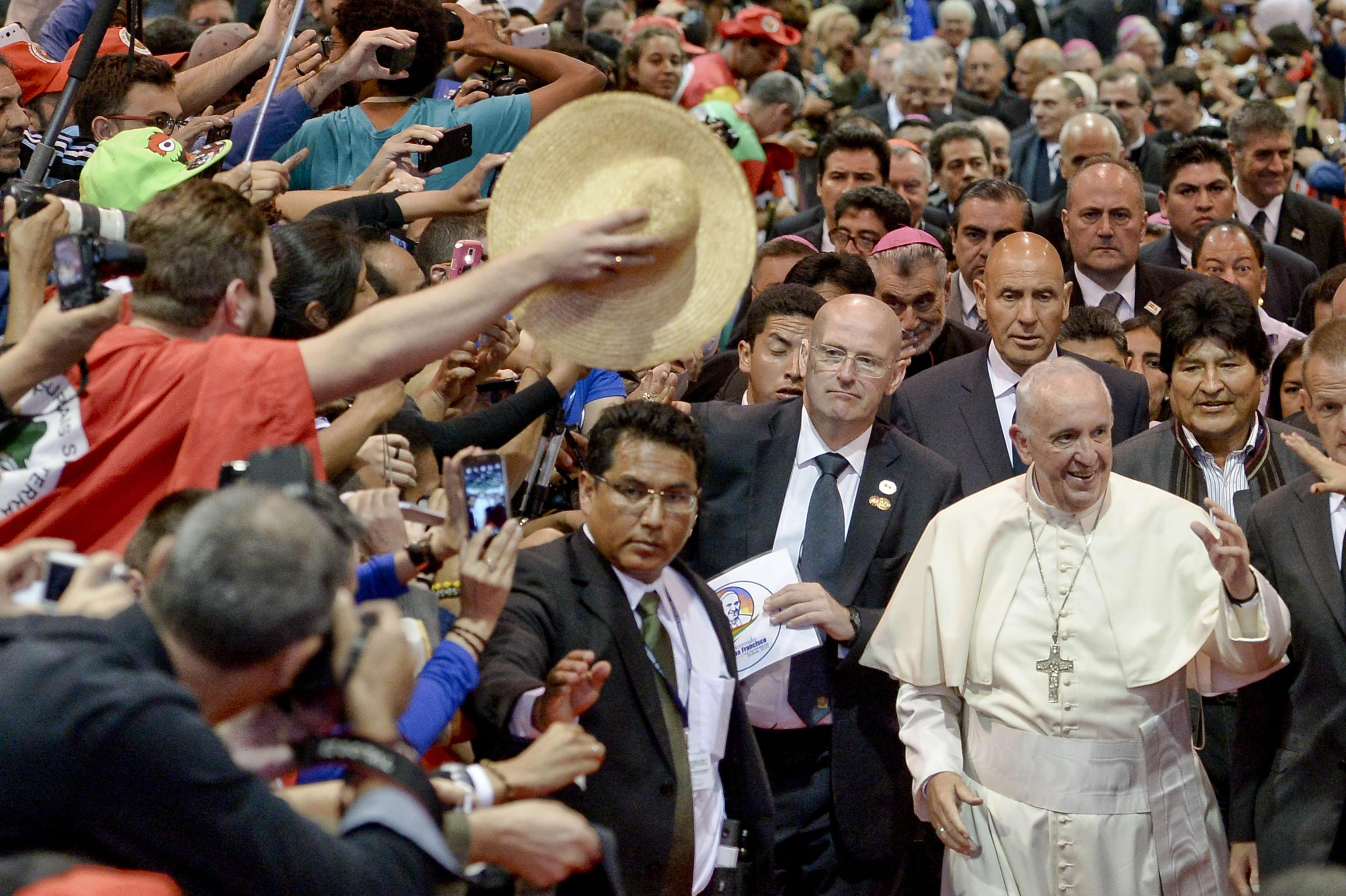 Pope Francis arrives at the second World Meeting of Popular Movements in Santa Cruz