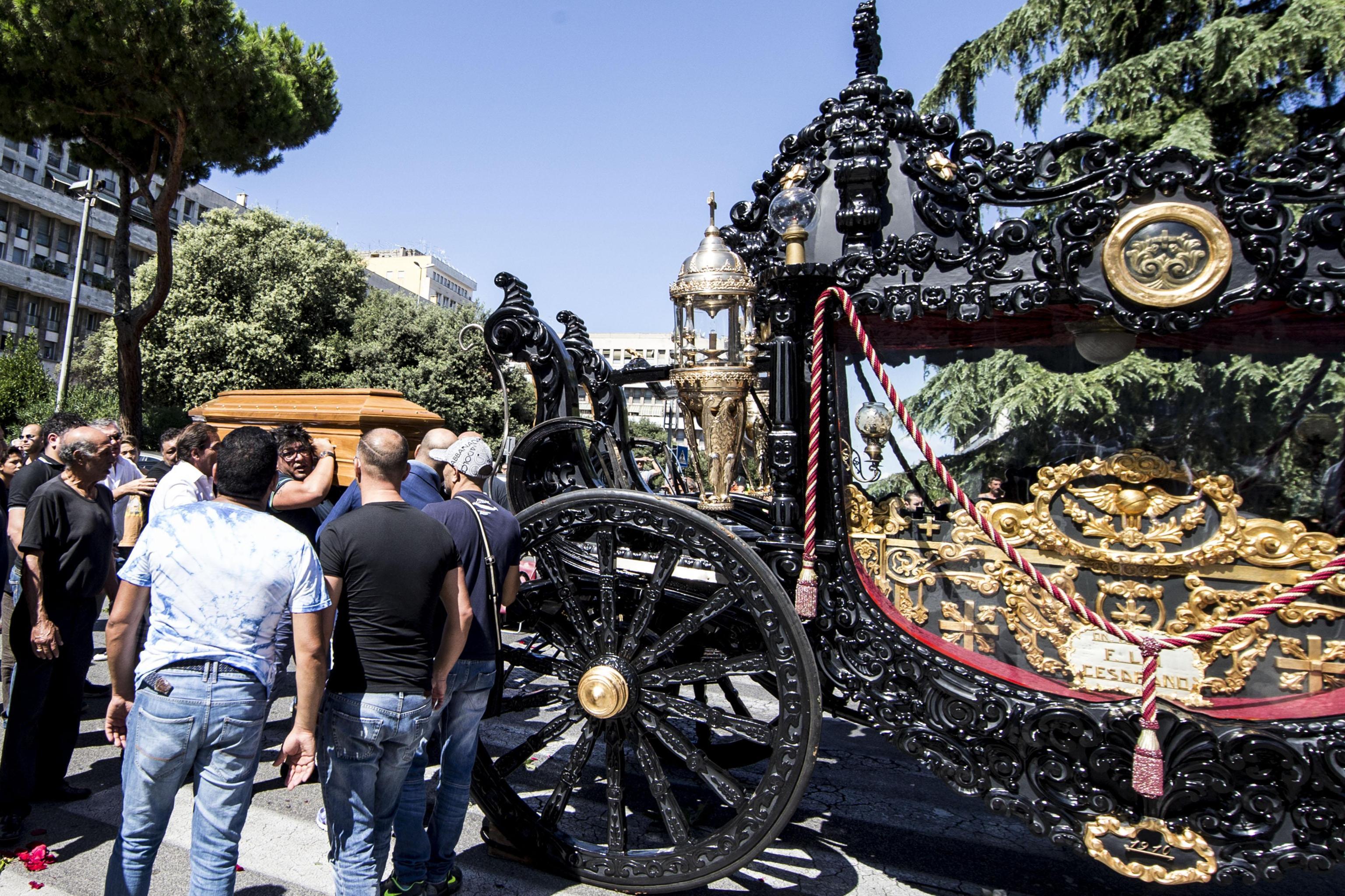 Lavish mafia-style funeral of Vittorio Casamonica