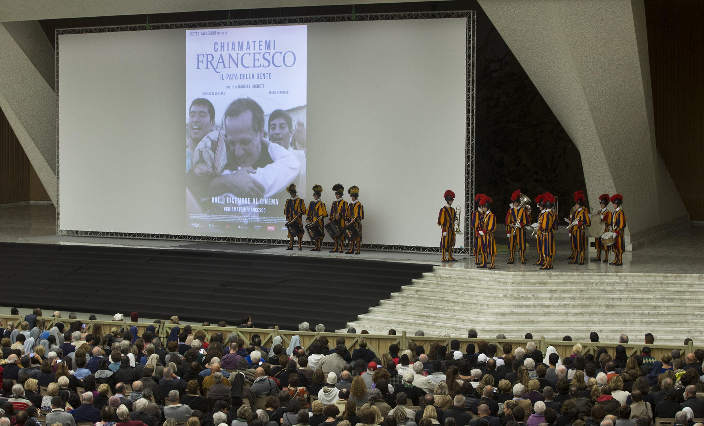 "Swiss Guard's Band performs prior presentation of ""Chiamatemi Francesco"" movie in Nervi Hall"
