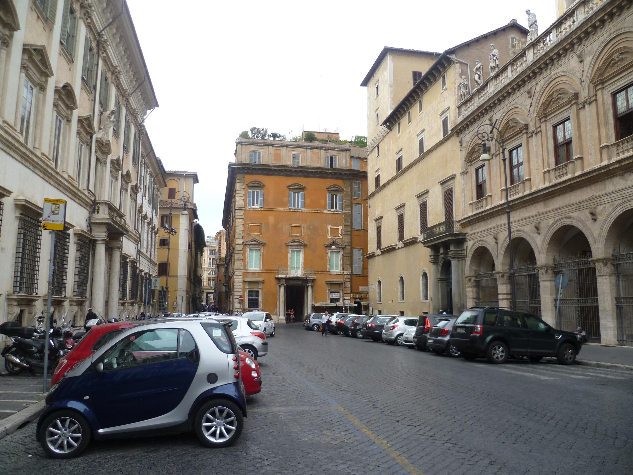Piazza Santi Apostoli in Rome