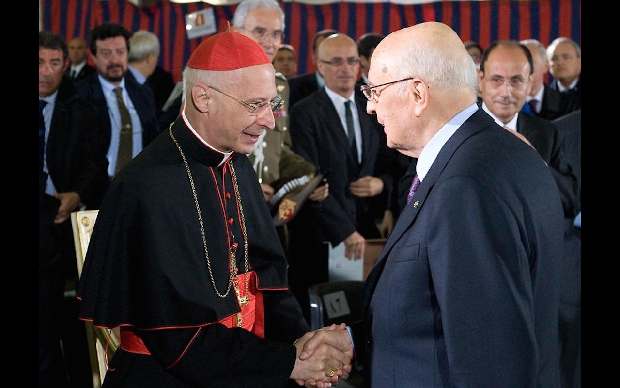 Italian President Giorgio Napolitano meets cardinal Angelo Bagnasco
