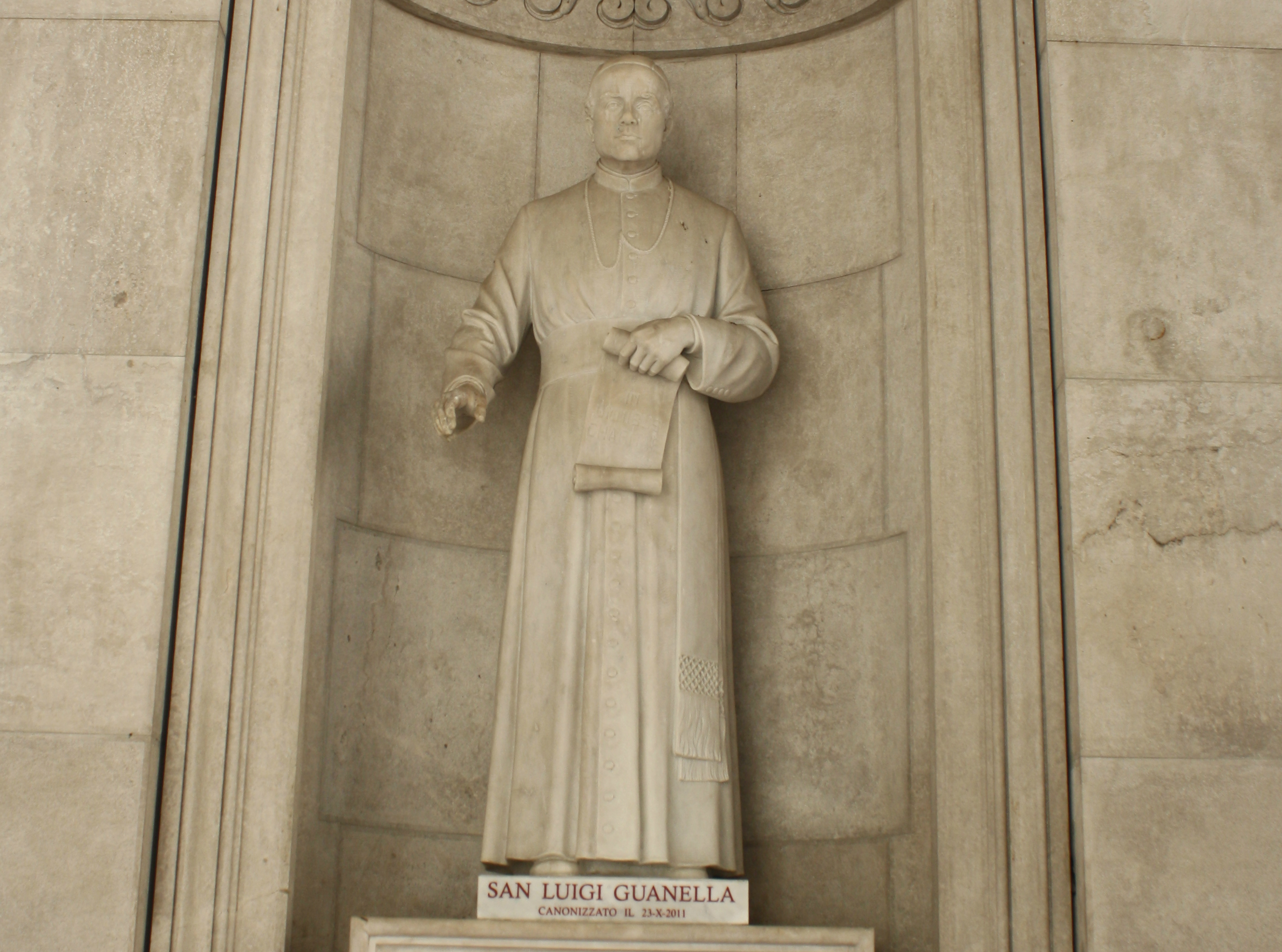 Statue of St. San Luigi Guanella