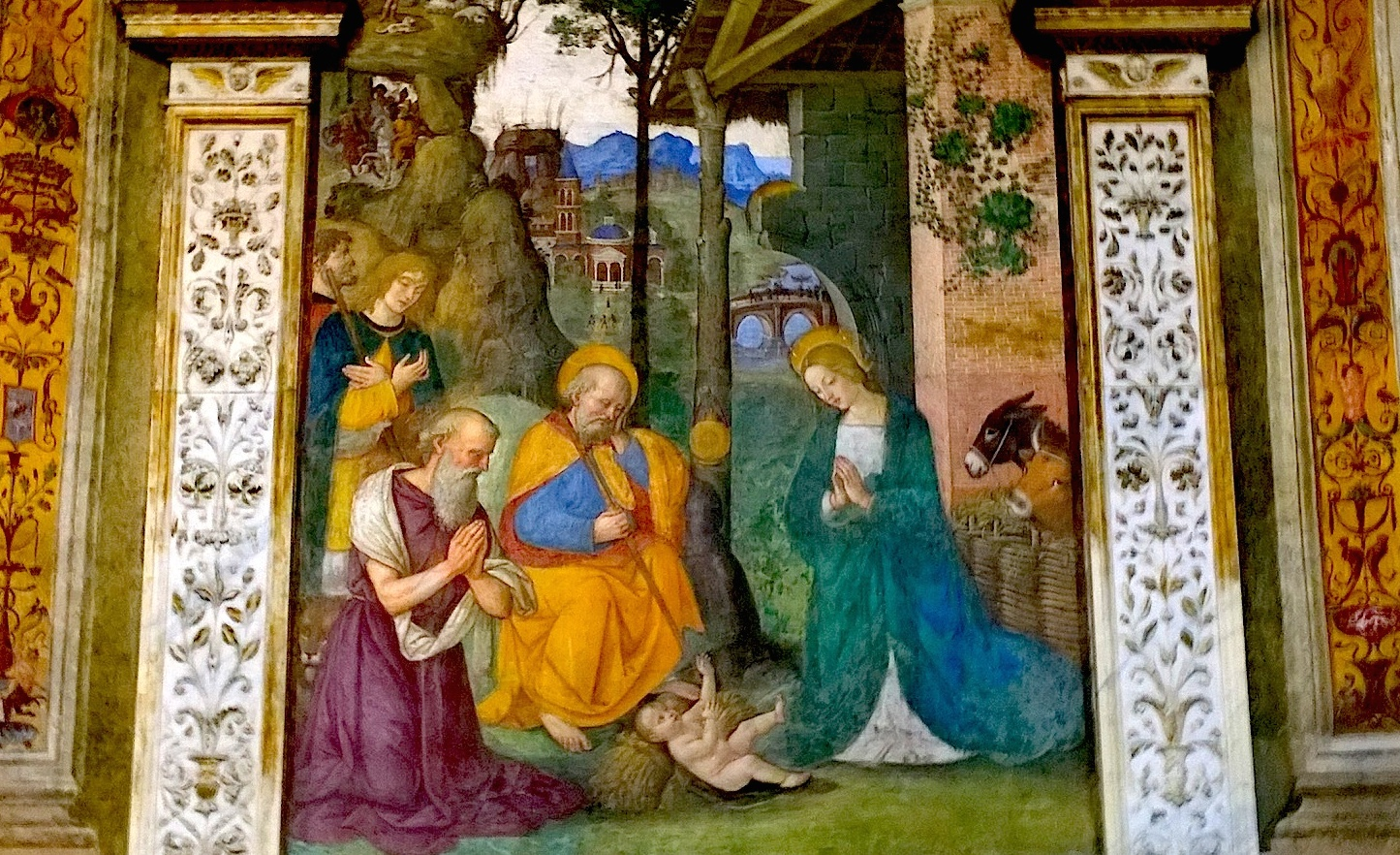 Born Jesus -paint at Cappella Basso Della Rovere: school of Pinturicchioo -  church Santa María del Popolo at Rome
