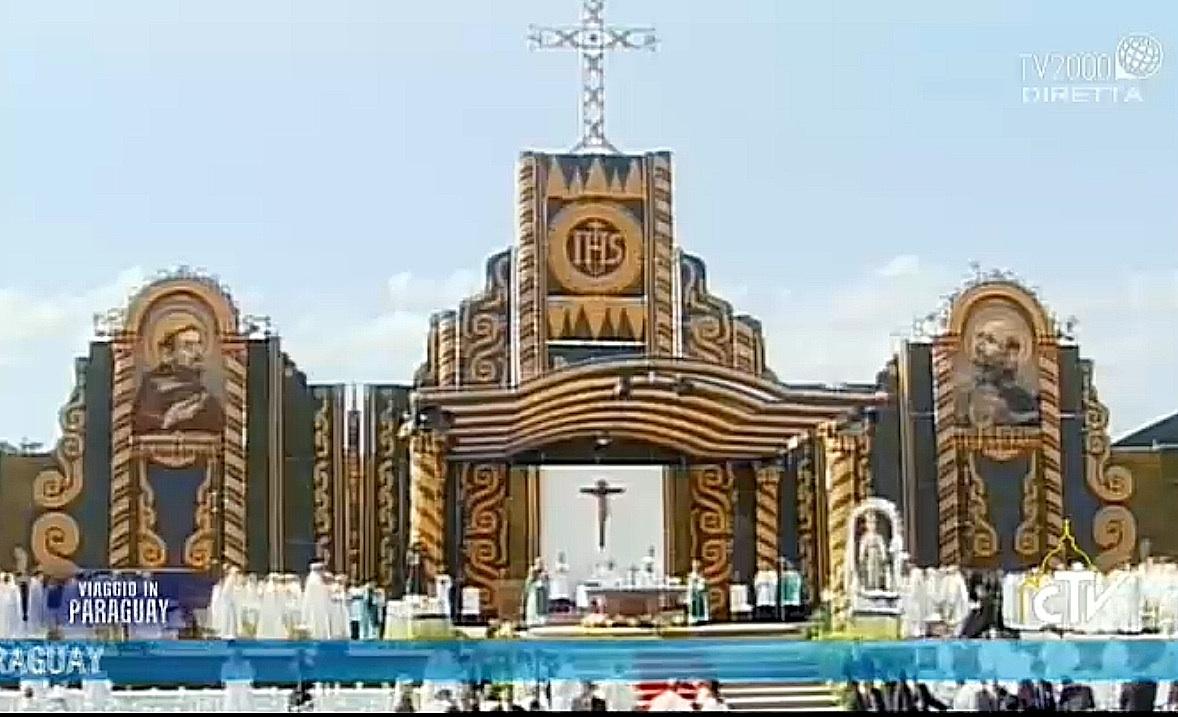 Altar of the mass in Asunción del Paraguay - 12  july 2015