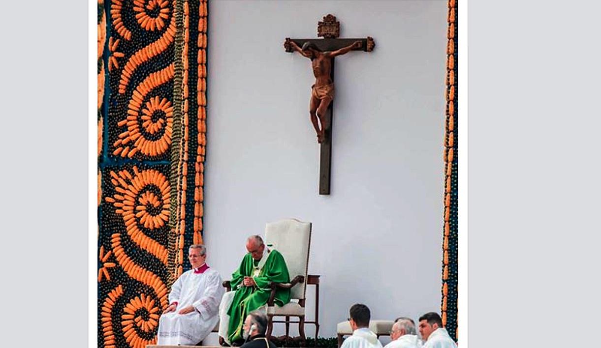 Pope Francis in the mass in Asunción del Paraguay