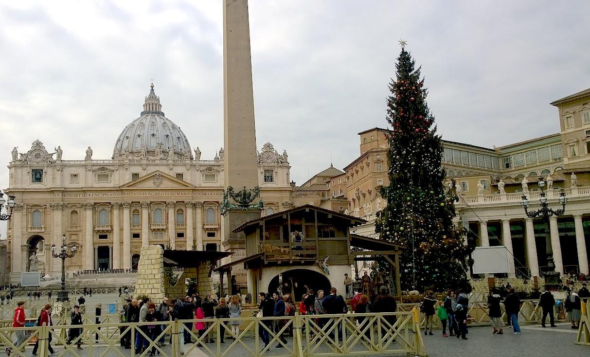 Saint Peter square at Noel 2015
