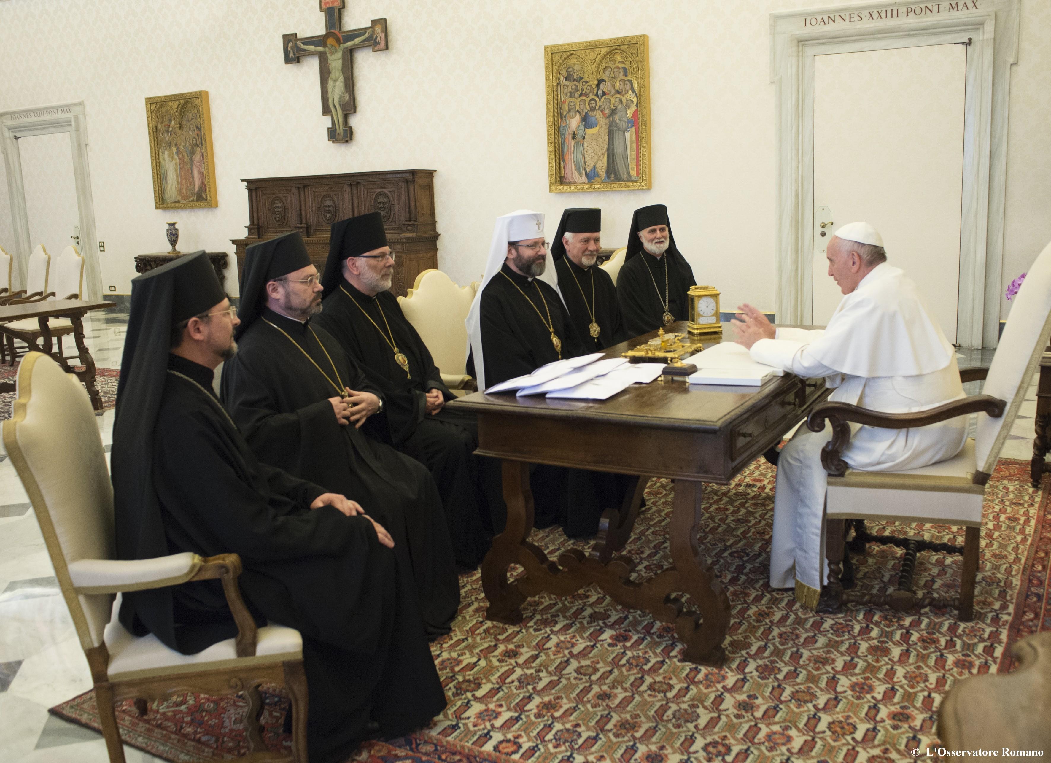 Papa e Membri del Sinodo Permanente della Chiesa Greco-cattolica Ucraina.