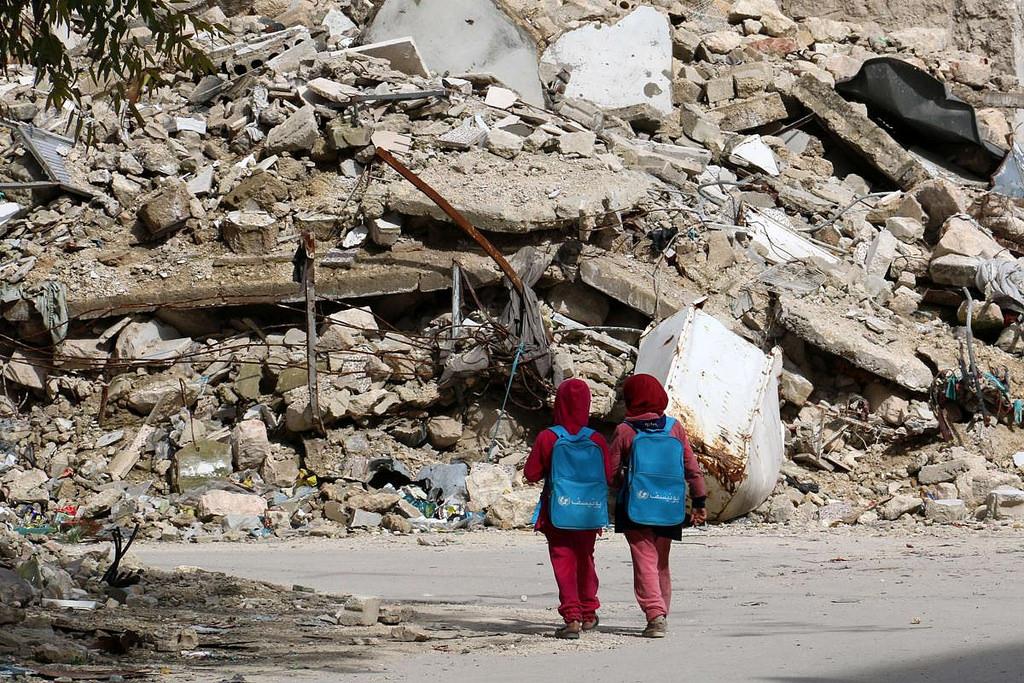 Syrian girls in Aleppo