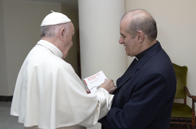 Papa Francesco e padre Jorge Oesterheld - Foto De @Jooesterheld