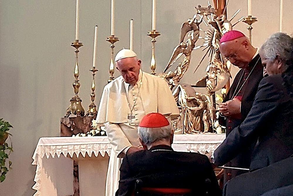 Papa saluta il card. Silvestrini
