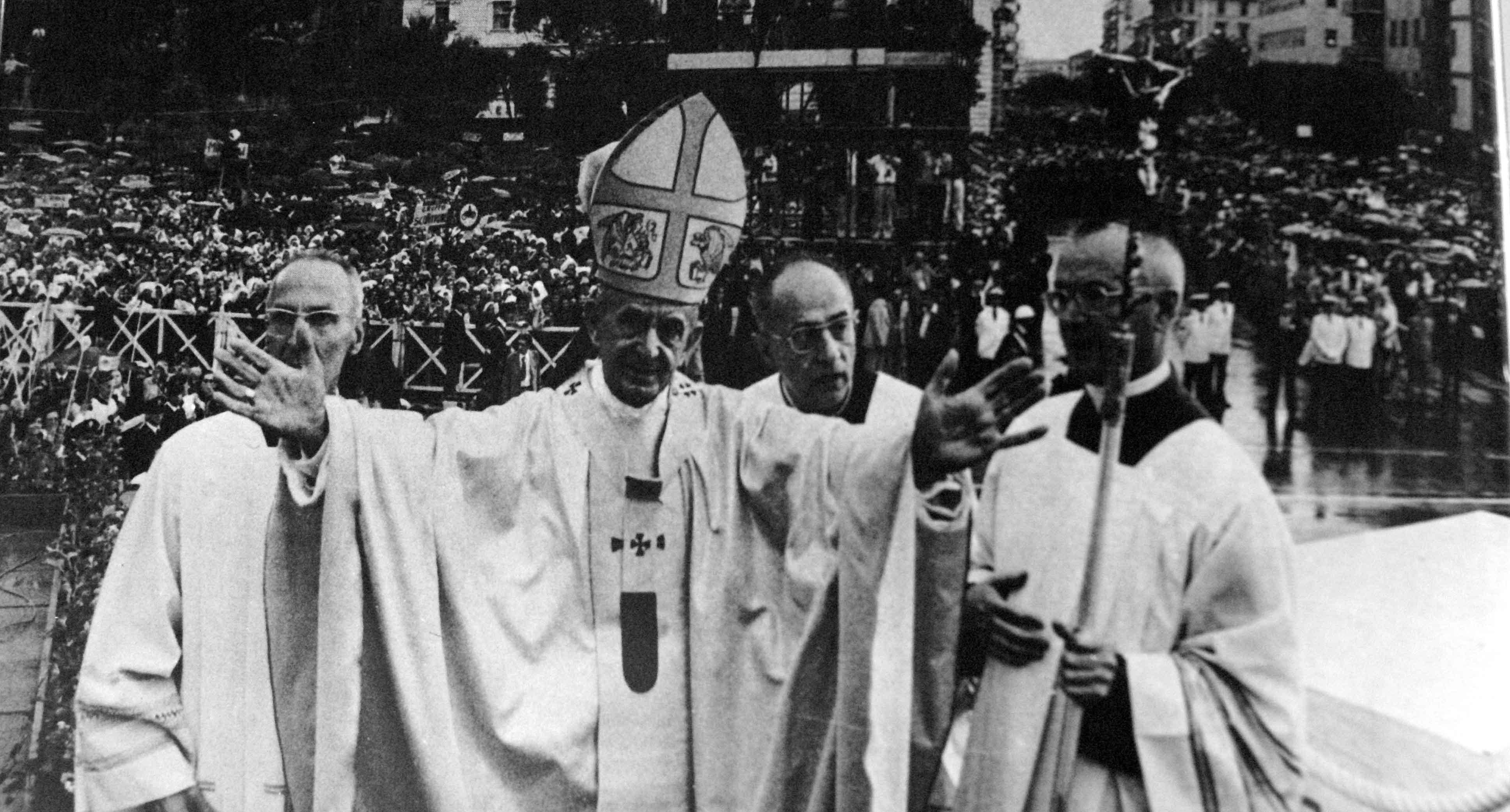 Paolo VI al Congresso Eucaristico Nazionale di Pescara (1977) - Wikimedia Commons