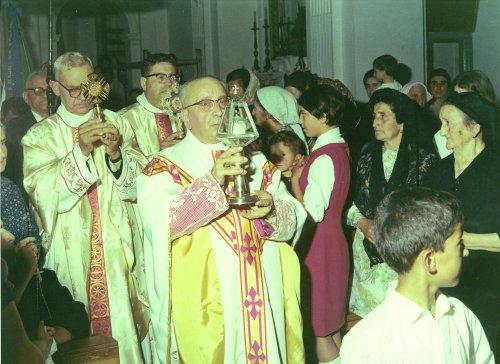 Mons. Biagio D'Agostino e Ostensorio San Mauro La Bruca