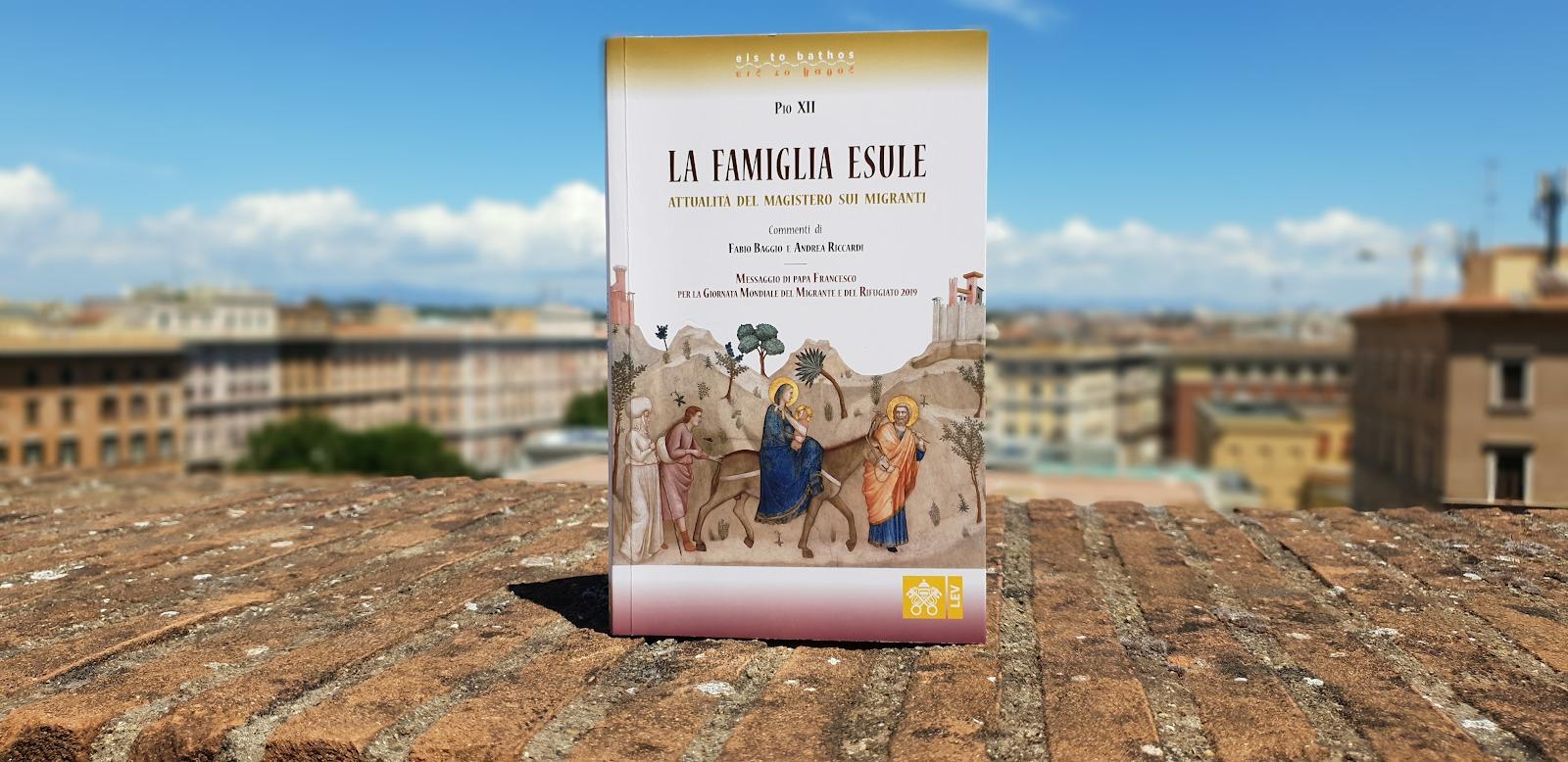 """Nuovo volume della Libreria Editrice Vaticana: """"La famiglia esule"""" Copyright Dicastero per la Comunicazione / Libreria Editrice Vaticana"""